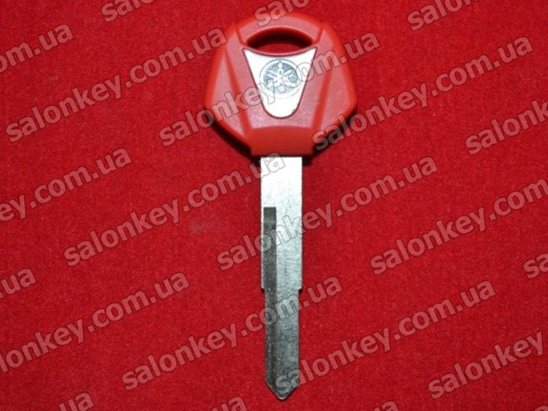 Ключ для мотоцикла Yamaha красный