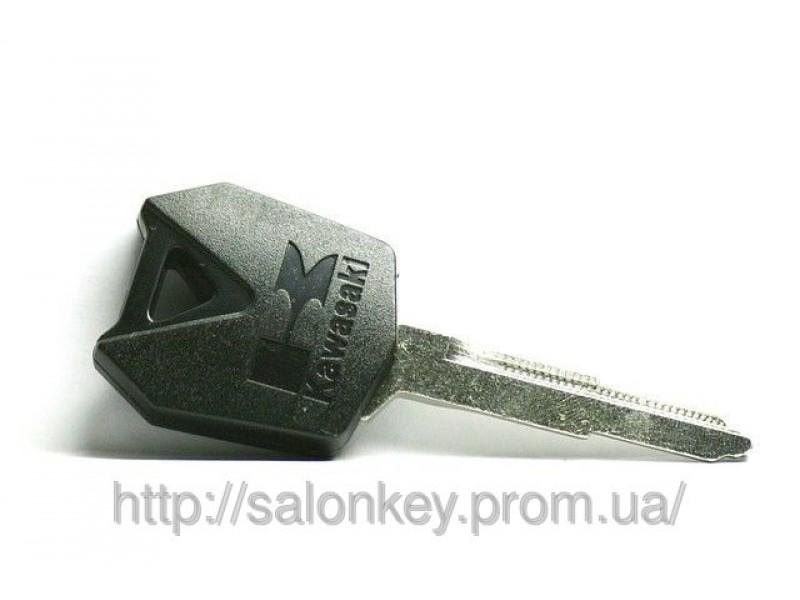 Ключ на Kawasaki ZZR100, ZZR1400, ZX-6R, ZX-9R, ZX-12R, Z1000, Z600 с местом под чип. Черный.