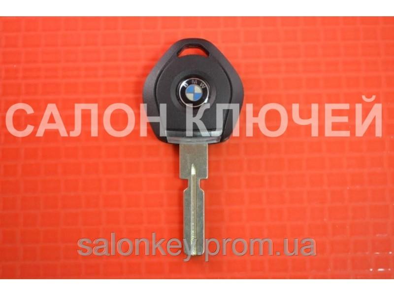 Ключ  Bmw  c местом под чип + логотип с фонариком