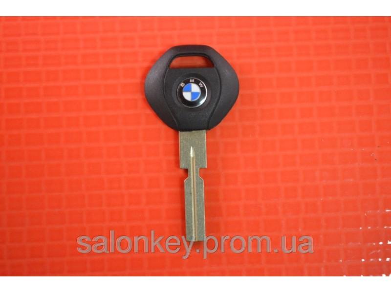 Ключ BMW  с местом под чип лезвие HU58