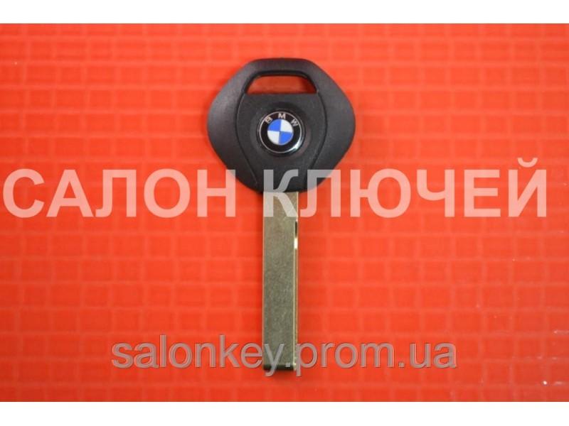 Ключ BMW  с местом под чип лезвие HU92
