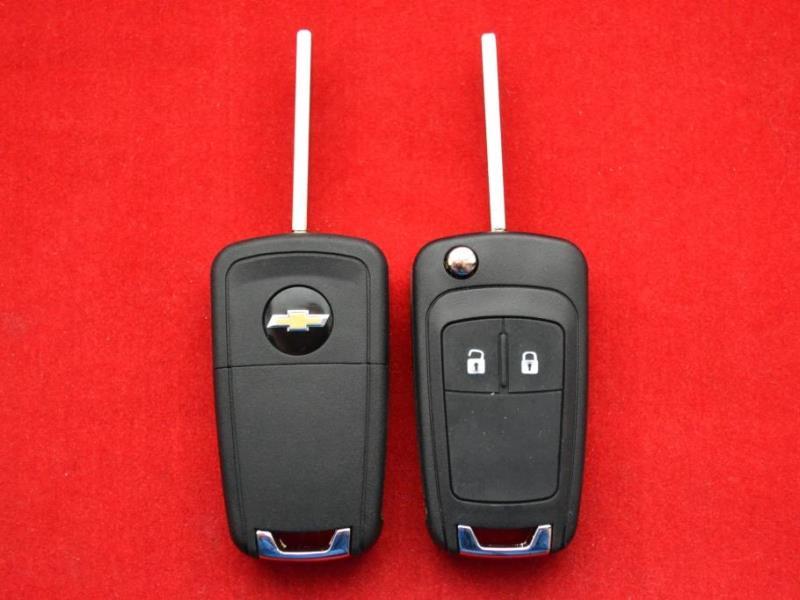 Chevrolet Сruze ключ выкидной 2 кнопки