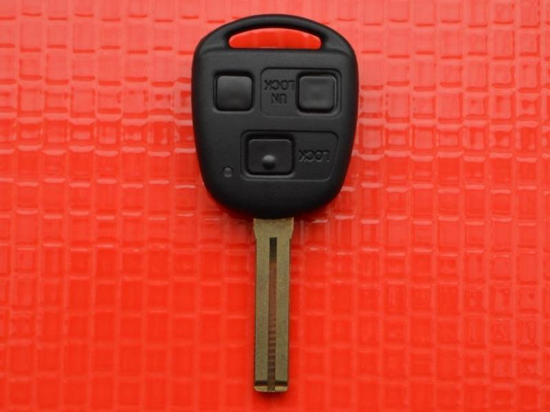 Ключ зажигания Lexus 8907048880