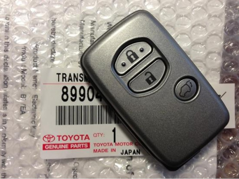8990460540 Smart key Toyota