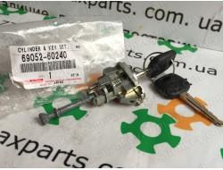 69052-60240 Дверной замок с ключами Toyota