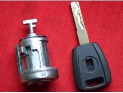 Замок зажигания Fiat с ключом SIP22