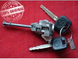 Замок левой двери Toyota Camry, Corola, Rav4 с обычным ключом