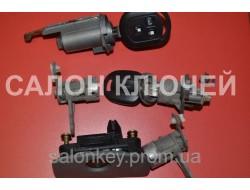 Chevrolet Lacetti комплект замков + ключ с кнопками и чипом + ключ с чипом